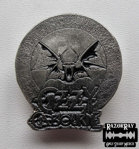 OZZY OSBOURNE - Bat --- Metal Pin.JPG